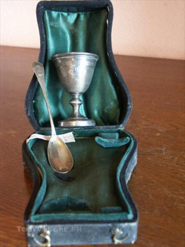 Coquetier et sa cuilliére argent massif dans sa boite 45544045