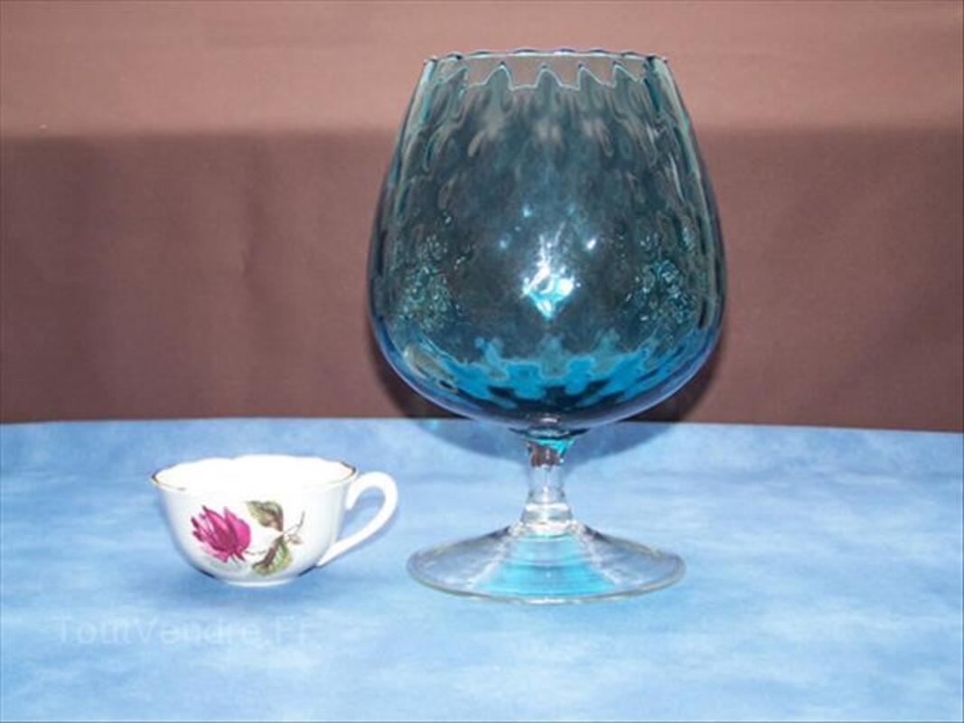Coupe MURANO bleue en forme de verre à pied 64444853