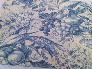 Coupon tissu toile de jouy oiseaux fruits