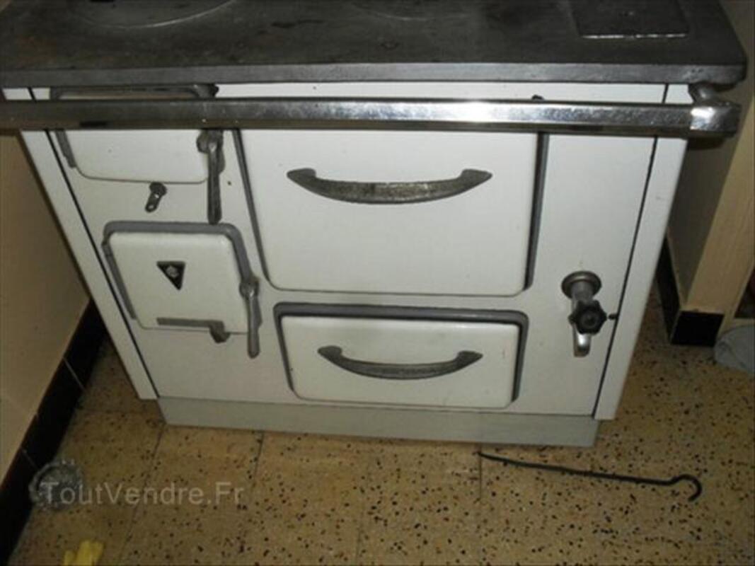 Cuisinière ancienne en fonte, ACC - 56054248