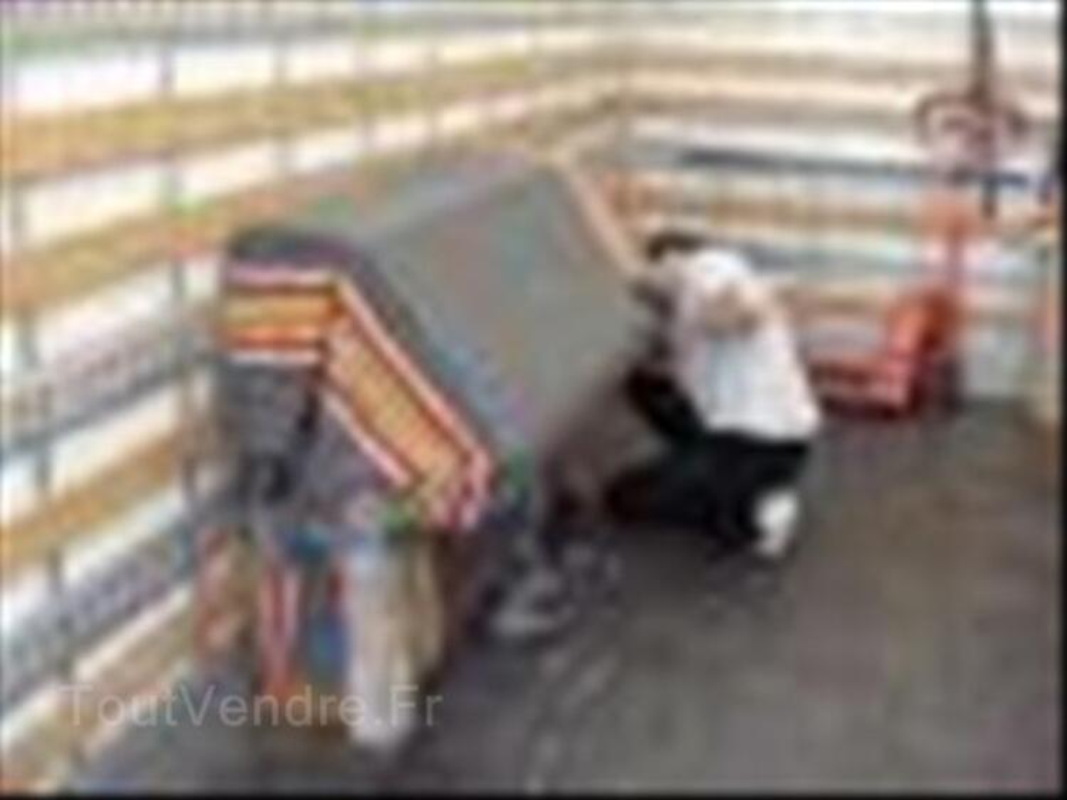 Déménagement pas cher par des artisans déménageurs 44743672