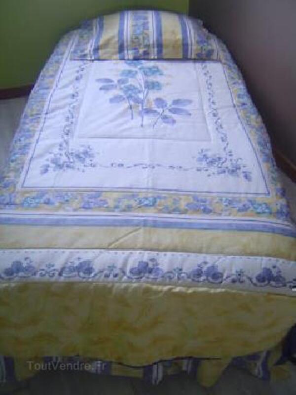 Dessus de lit une personne et double-rideaux assortis 90809596