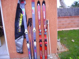 Deux paires de ski