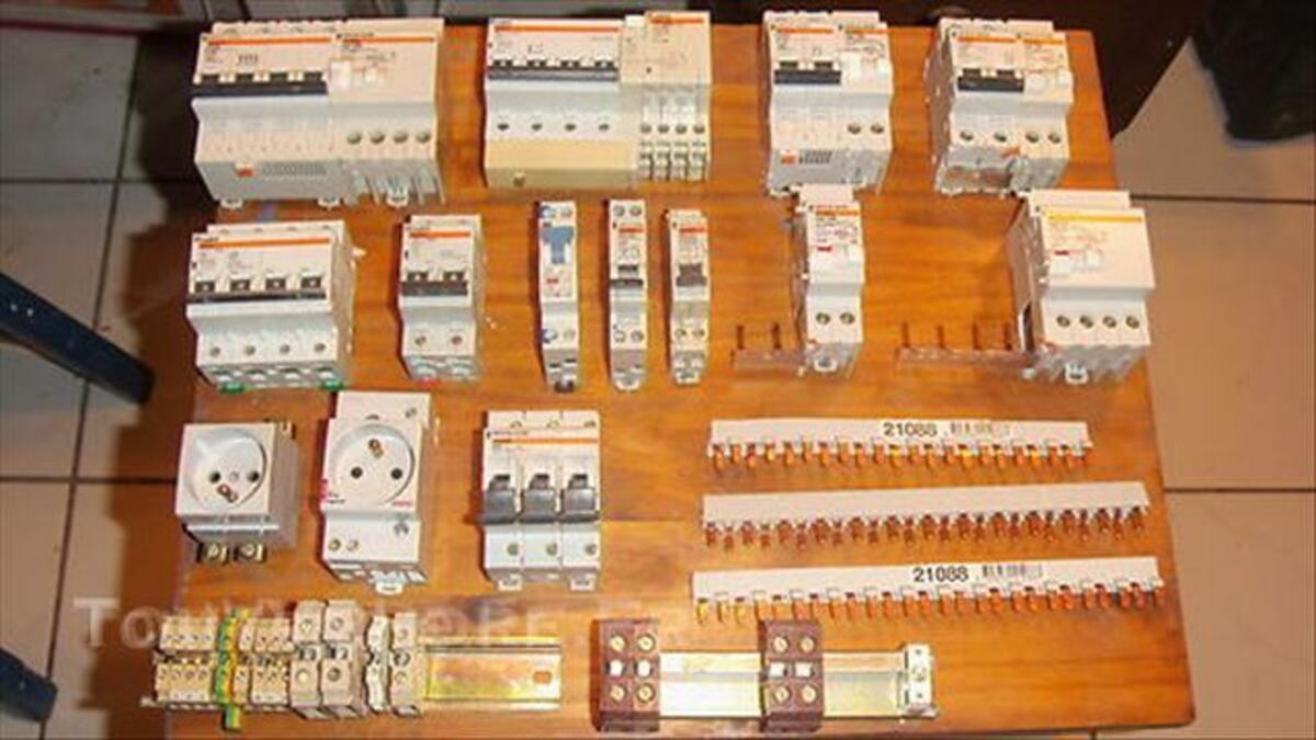 Disjoncteurs 44919769