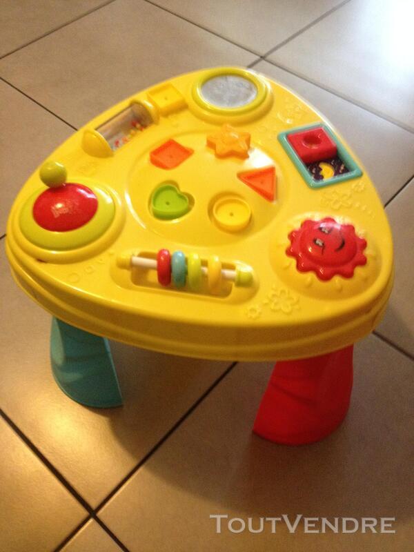Divers jouets enfant 682097929