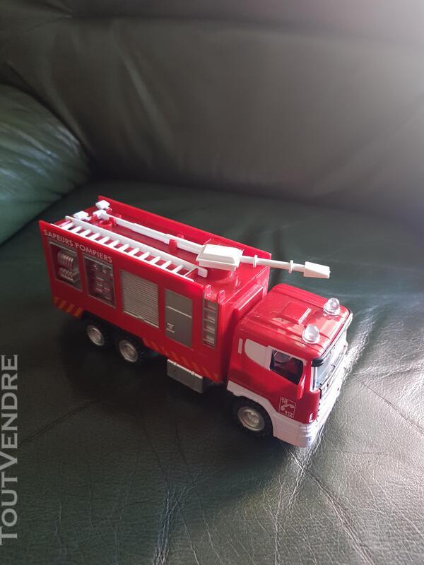 Divers jouets enfant 682100959