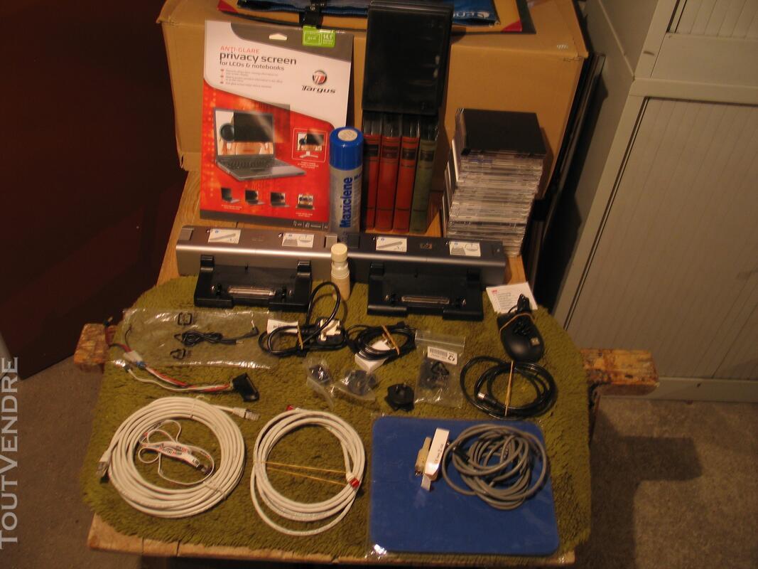 Docking station de PC Hewlet Packard + matériel informatique 124175701