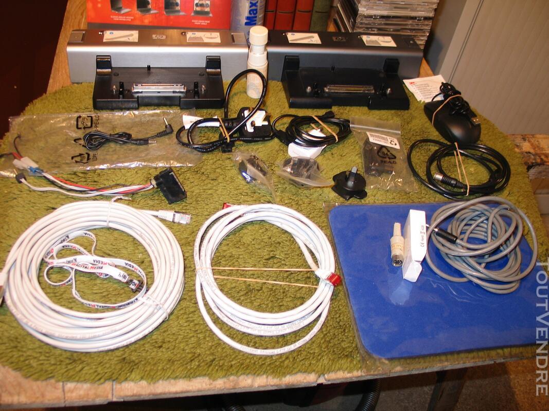 Docking station de PC Hewlet Packard + matériel informatique 124175702