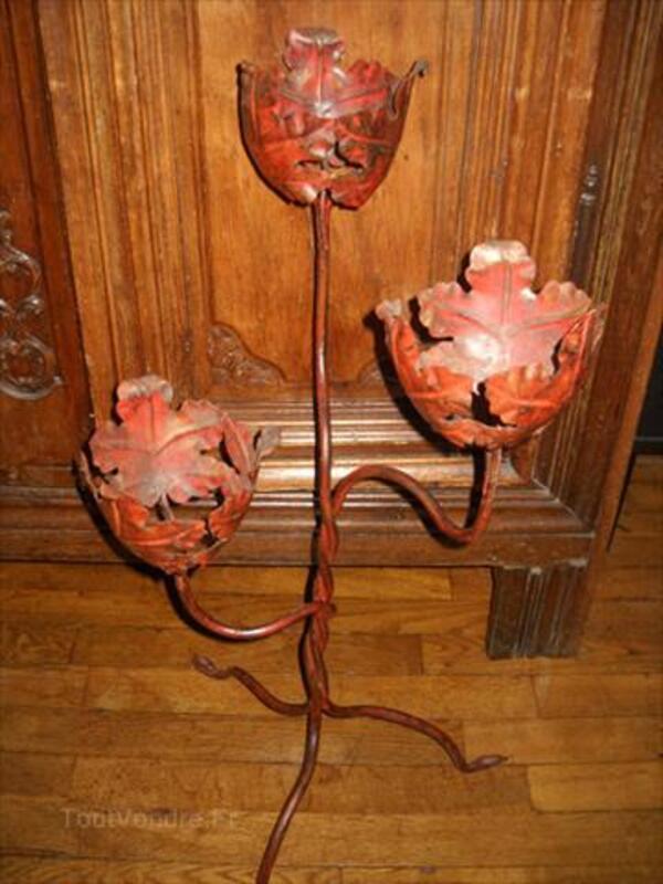 Élégant et déco porte fleurs ancien en fer forgé 1930. 56112834