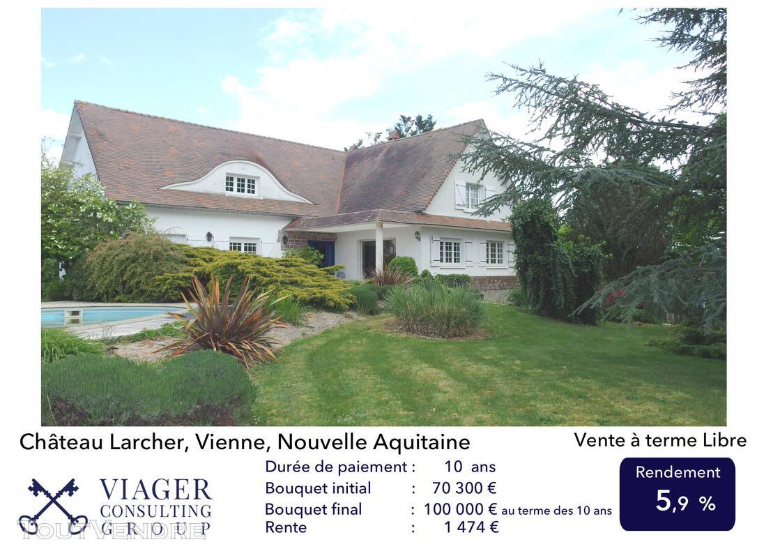 Elégante maison de caractère de 280 m2 proche de Vivonne 211431629