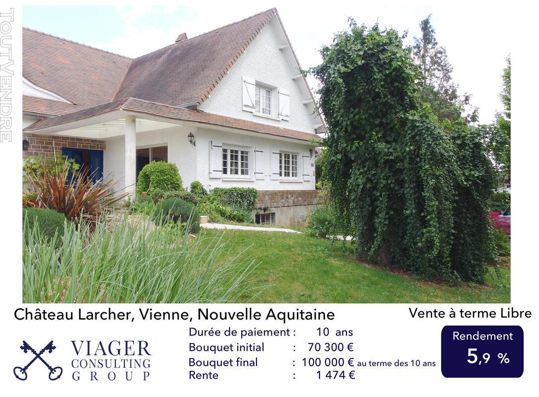 Elégante maison de caractère de 280 m2 proche de Vivonne 211431632