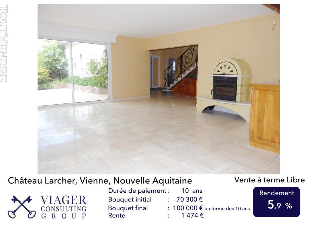 Elégante maison de caractère de 280 m2 proche de Vivonne 211431635