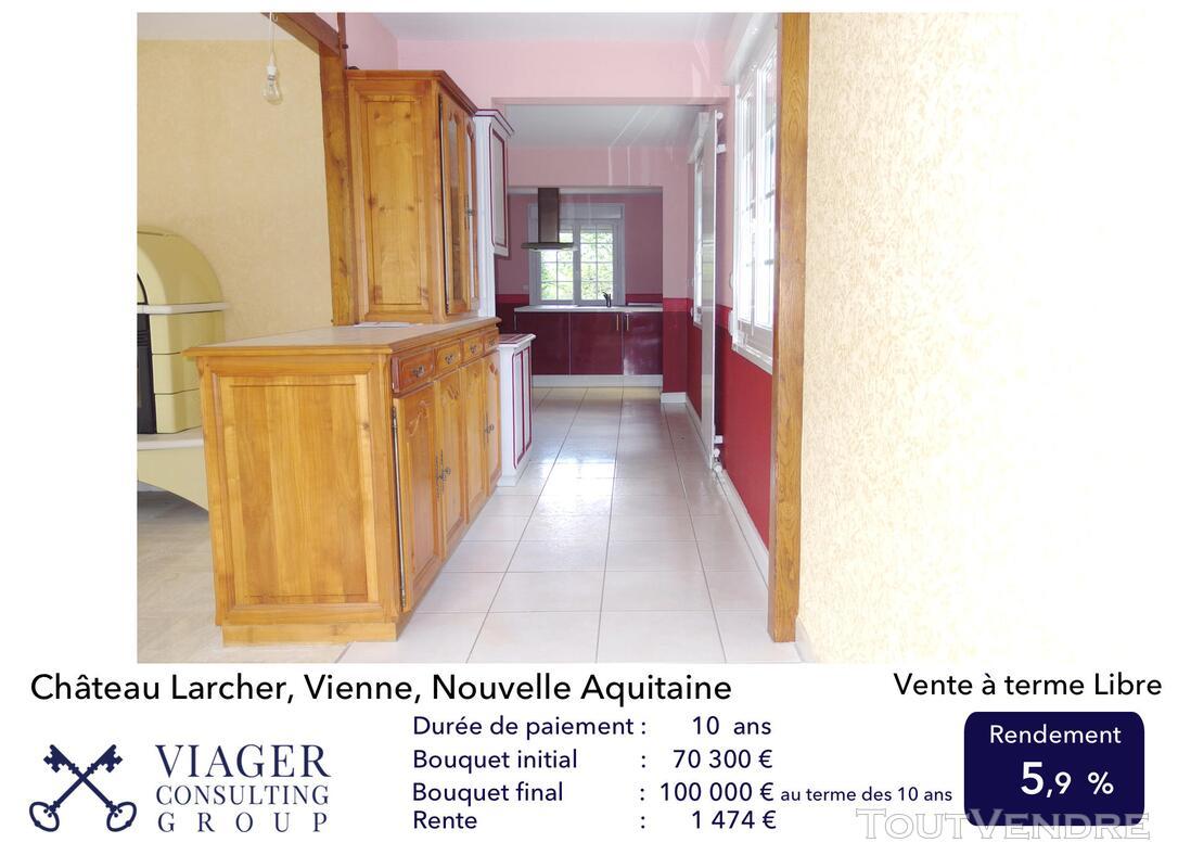 Elégante maison de caractère de 280 m2 proche de Vivonne 211431638