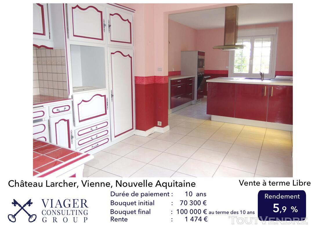 Elégante maison de caractère de 280 m2 proche de Vivonne 211431641