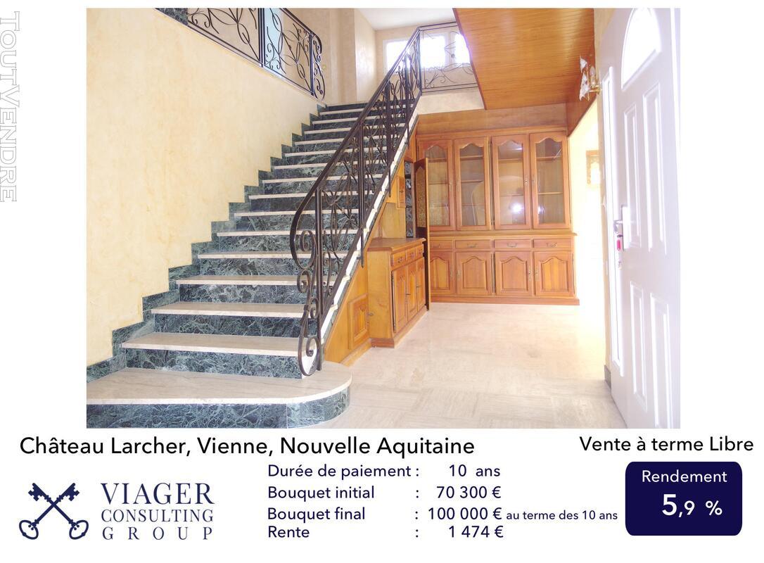 Elégante maison de caractère de 280 m2 proche de Vivonne 211431644