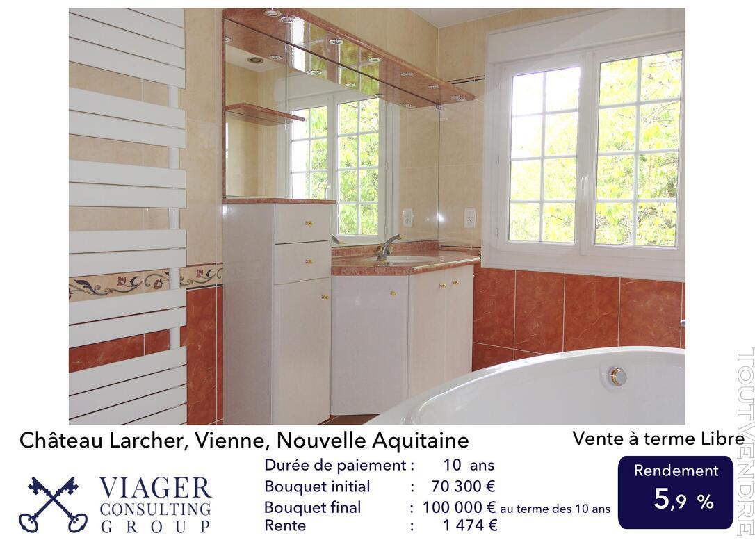 Elégante maison de caractère de 280 m2 proche de Vivonne 211433768
