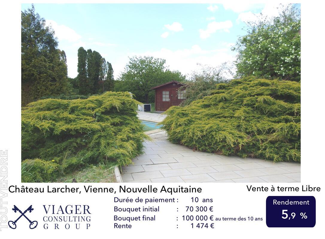 Elégante maison de caractère de 280 m2 proche de Vivonne 211434455