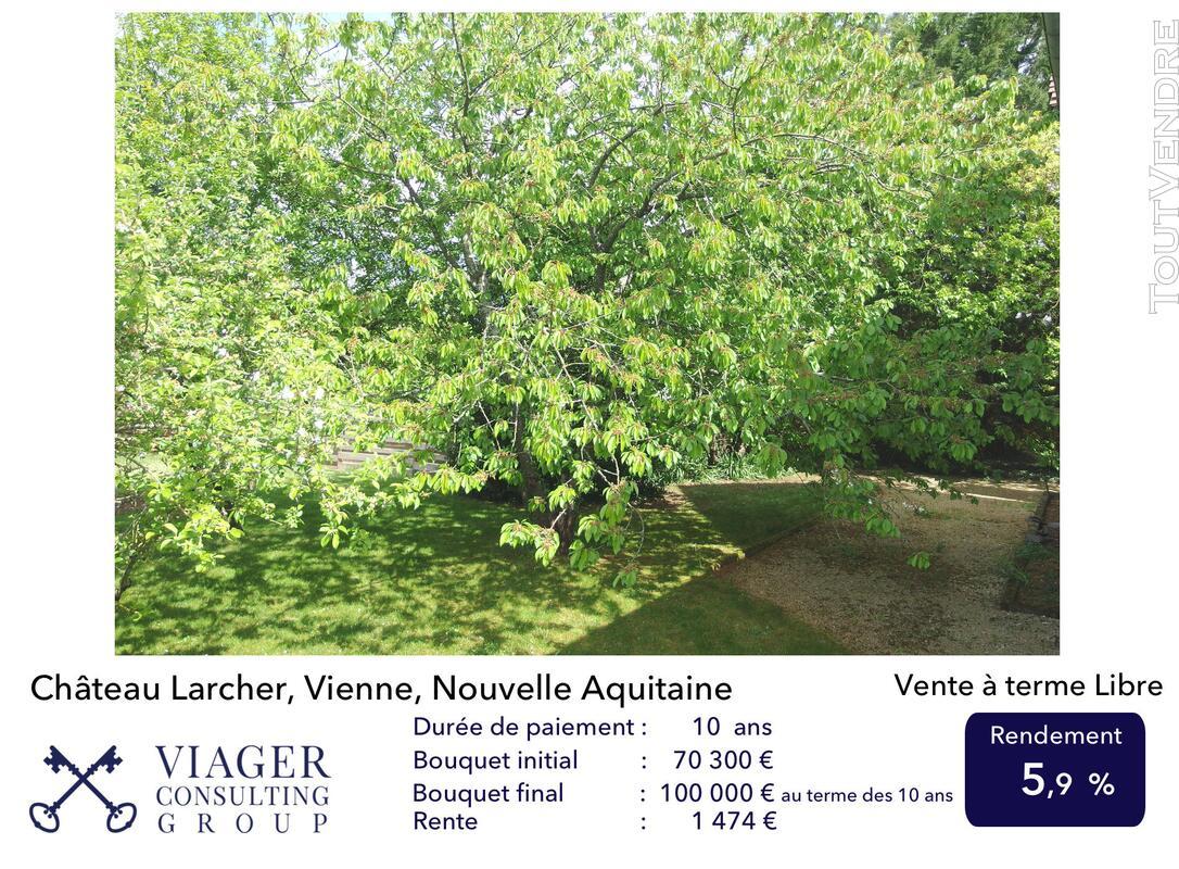 Elégante maison de caractère de 280 m2 proche de Vivonne 211435487