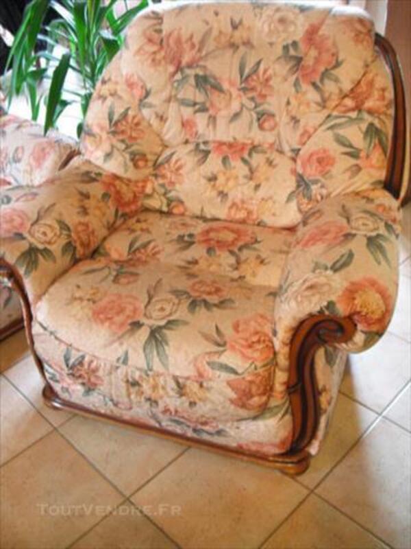 Ensemble canapé et 2 fauteuils 77362526