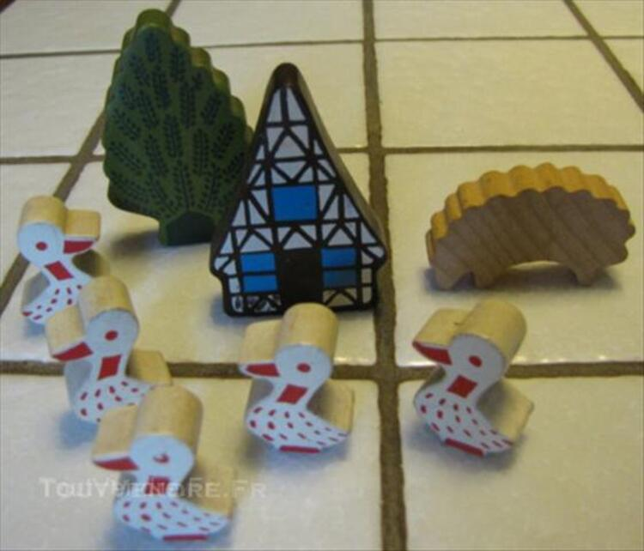 Ensemble petits objets en bois 45541229