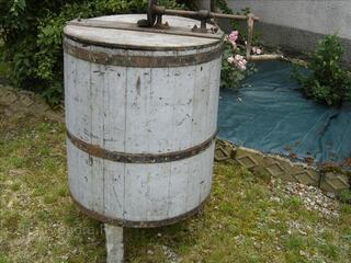 Extracteur a miel en bois