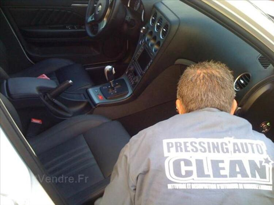Faite nettoyer & désinfecter l'intérieur de votre véhicule à 1927652