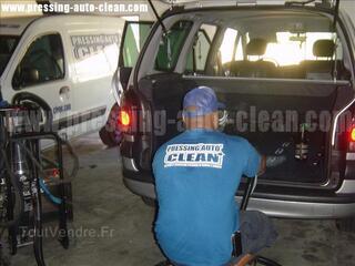 Faite nettoyer l'intérieur de véhicule