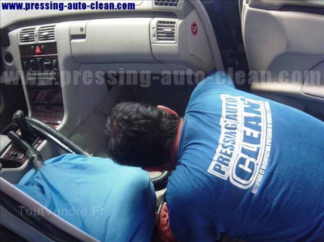 Faite nettoyer l'intérieur de véhicule 17045623
