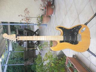 FENDER Stratocaster Lite Ash Natural état neuf