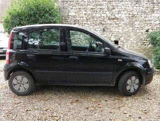 Fiat Panda noire 4CV