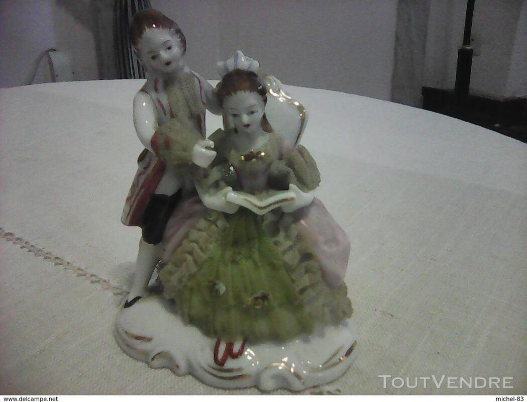 Figurine porcelaine 372742276