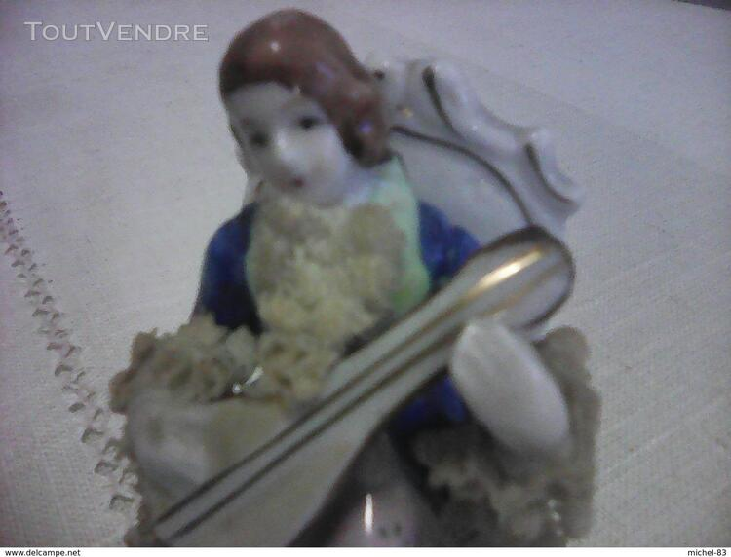 Figurine porcelaine 372742306