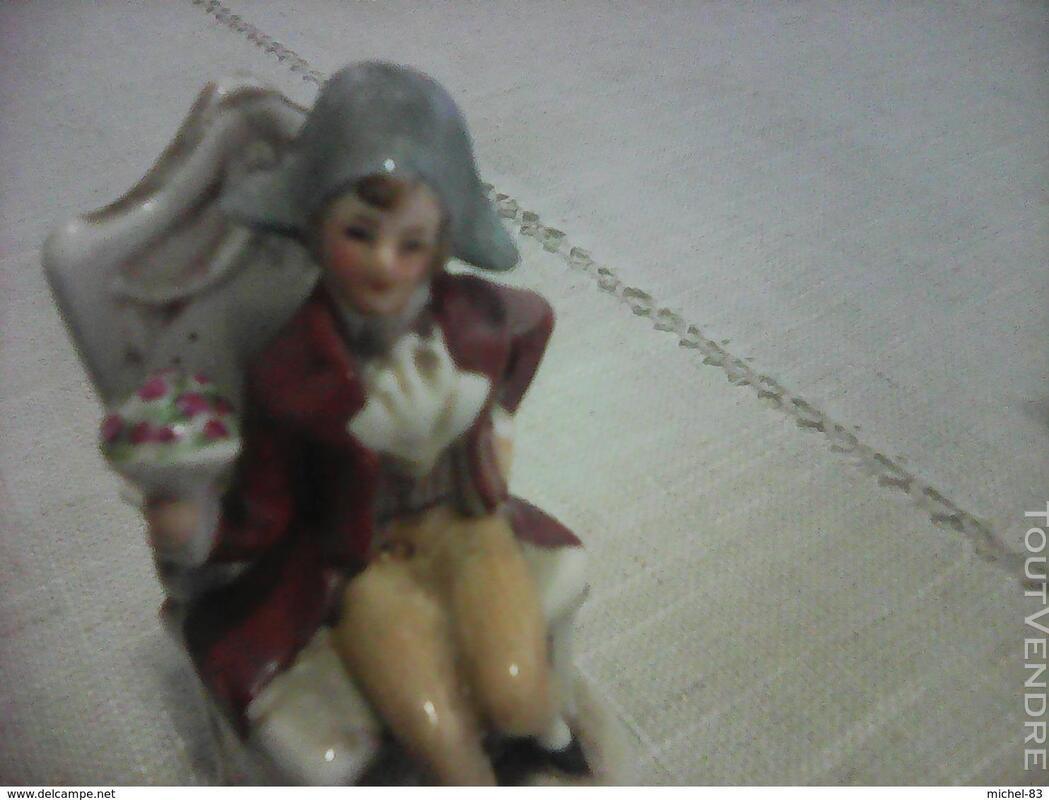 Figurine porcelaine 372742318
