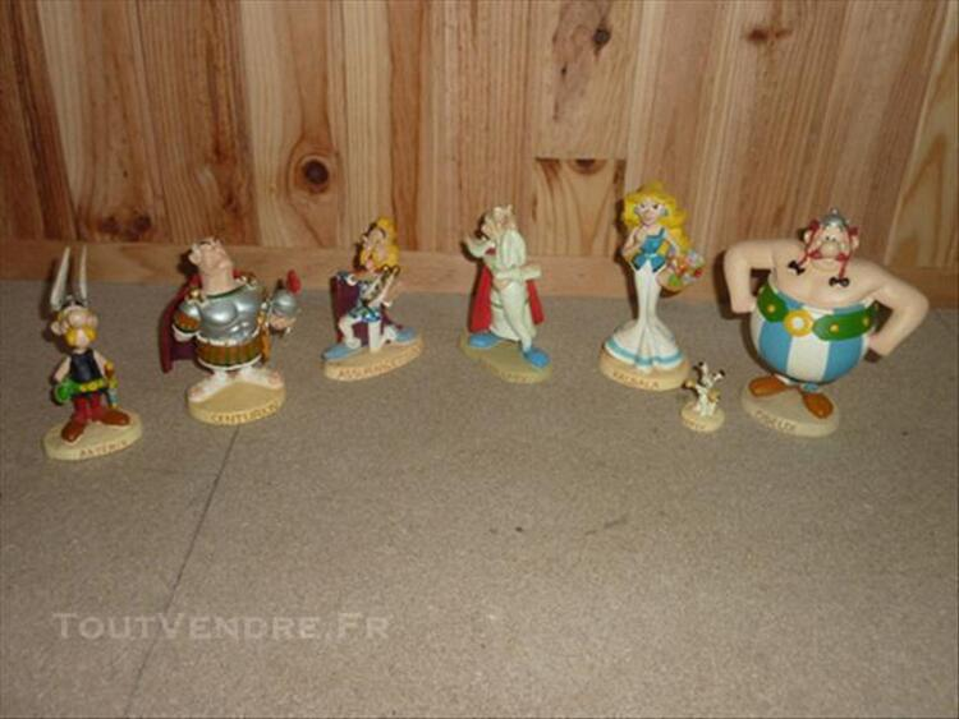 Figurines de collection 85394045