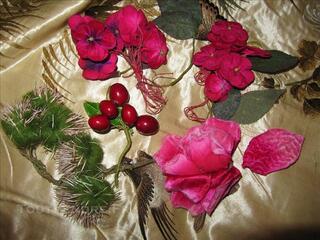 Fleurs artificielles anciennes