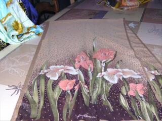 Foulard - thème floral les iris -marque Gim Renoir-