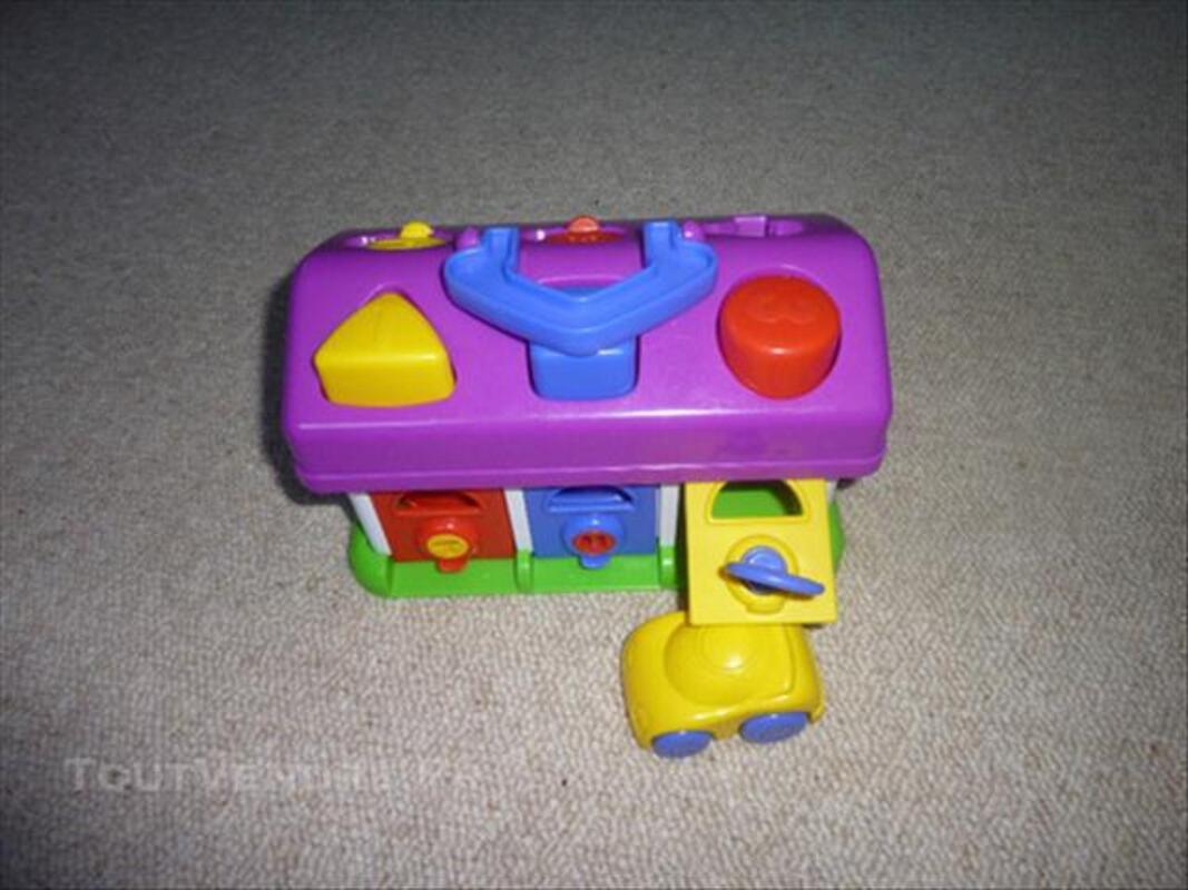 Garage avec voitures et clés 76599821
