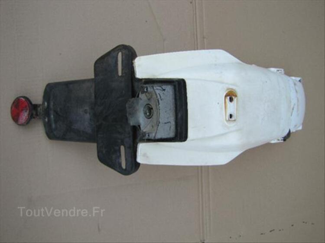 Garde boue arrière  Yamaha 125 DTLC type 10 V 66091652