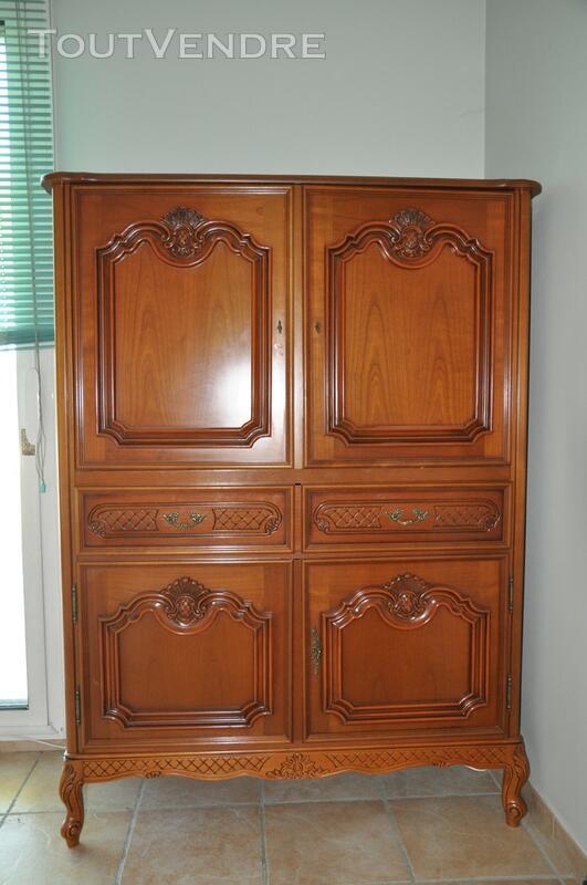 Grand meuble TV en bois merisier 138036277