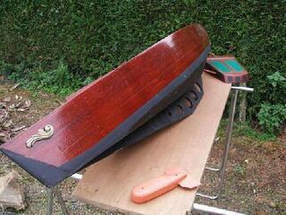 Grande maquette de bateau  Naviguant  ,1m 68 de long