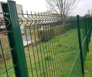 Grillage soudés panneaux rigides pour clôture