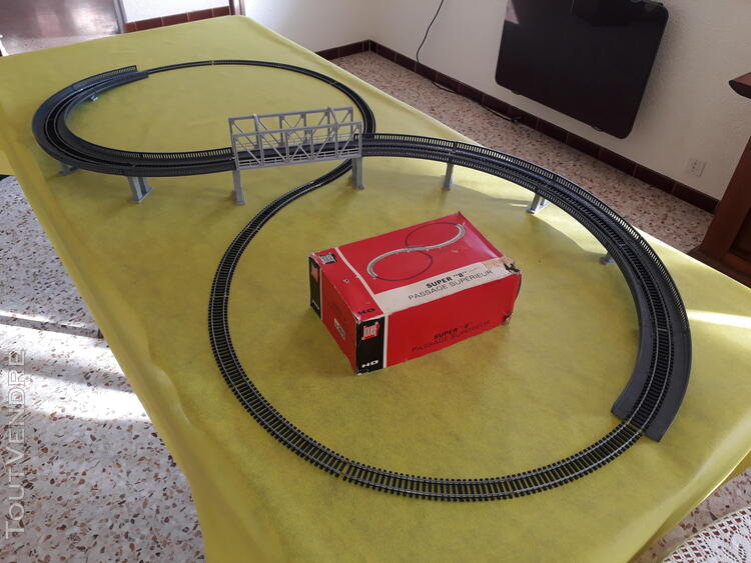 Gros lot de train Marque : JOUEF HO ; locomotives ; voitures 734915354