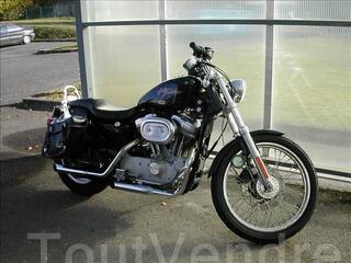 Harley Davidson Sporster noir 883