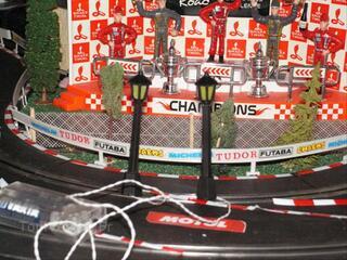 Ho train/circuit voitures