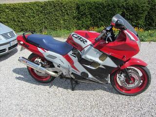 Honda 1000 cbr f