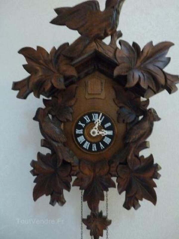 Horloge pendule COUCOU de Foret Noire 104935169