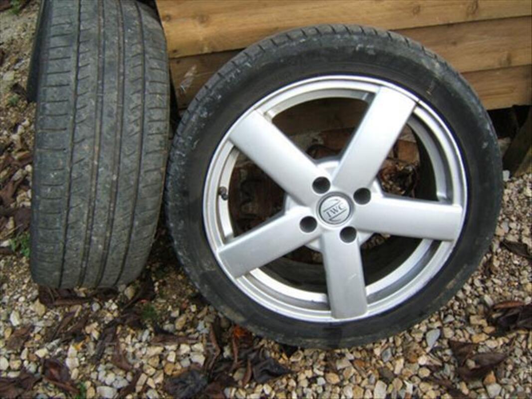 Jantes IWC 4x108 en 17 pouces + pneus 225/45/17 84774782