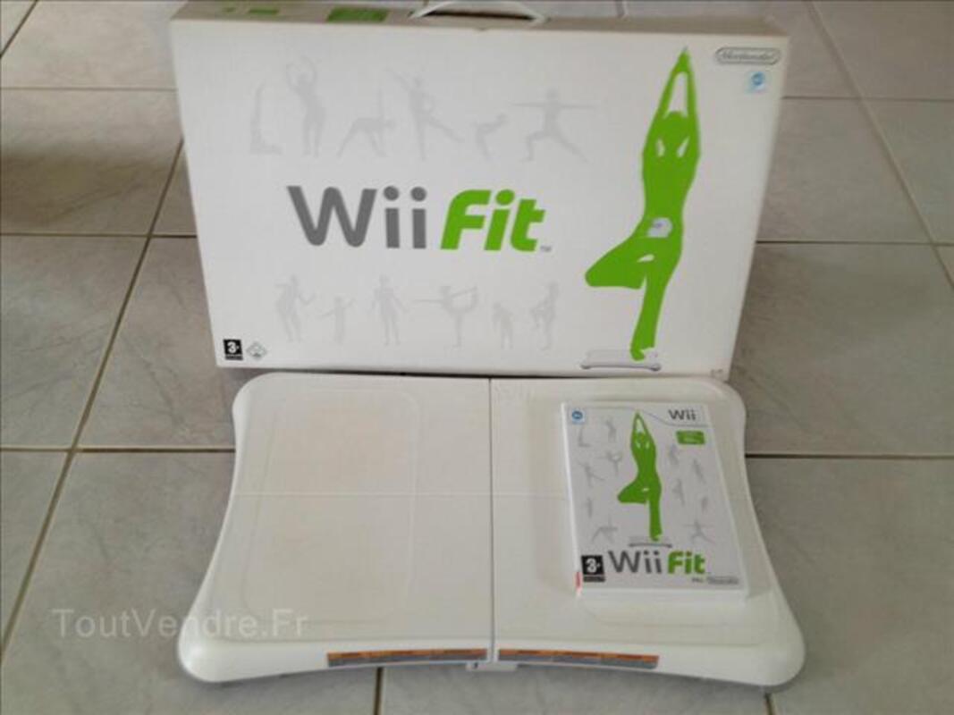 Jeu Nintendo Wii Fit et sa balance board 89274931