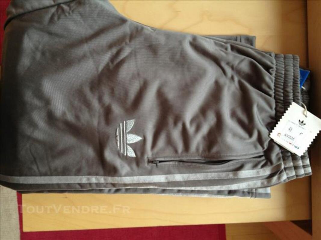 Jogging adidas homme gris et argenté Taille L 82578483