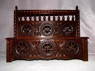 Jouet poupée Banc coffre mobilier breton art populaire